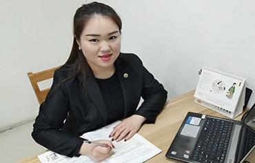 集团二级英语教师 李雨芳